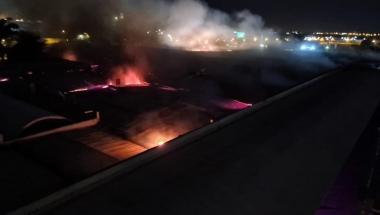 Shopping em Maringá pega fogo essa madrugada