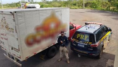 Cascavelense é preso tentando atravessar na fronteira caminhonete furtada