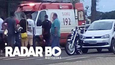 Casal fica ferido após colisão entre carro e moto no centro de Assis Chateaubriand