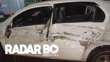 Condutor de Hilux provoca acidente no centro de Marechal Rondon e foge do local