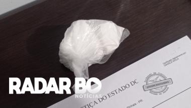 Após abordagem, PM cumpre mandado de prisão e apreende droga em Toledo