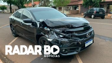 Acidente entre Honda Civic e veículo da prefeitura é registrado no centro de Nova Santa Rosa